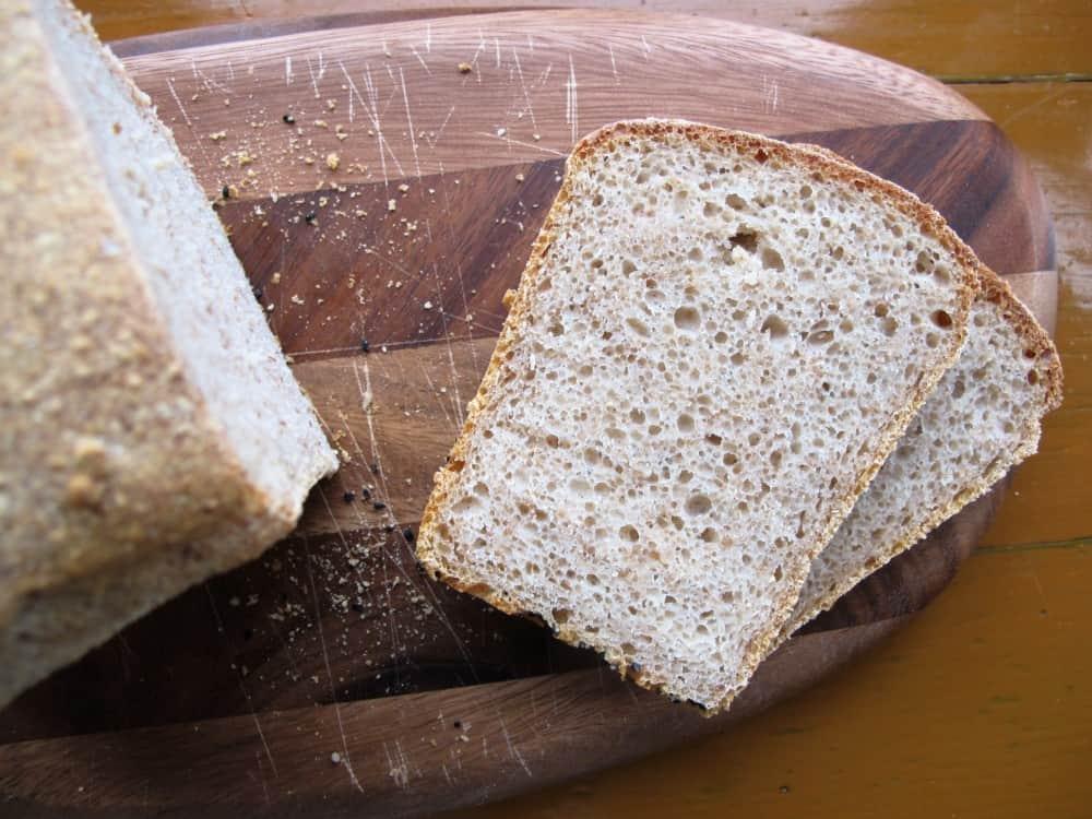 Spelt sourdough bread slices