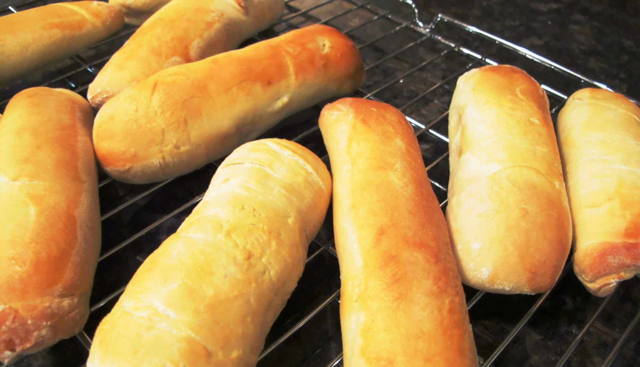 Hot Dog Buns Recipe for a Family Baking Fest ...