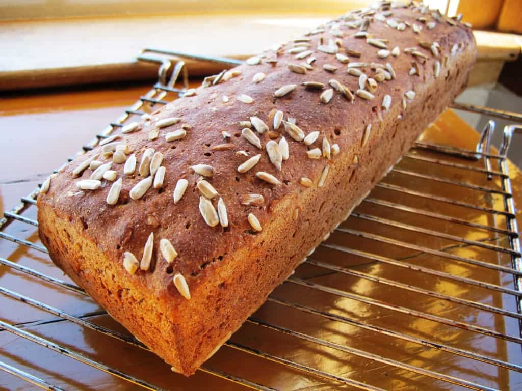 Rye bread with sunflower seeds