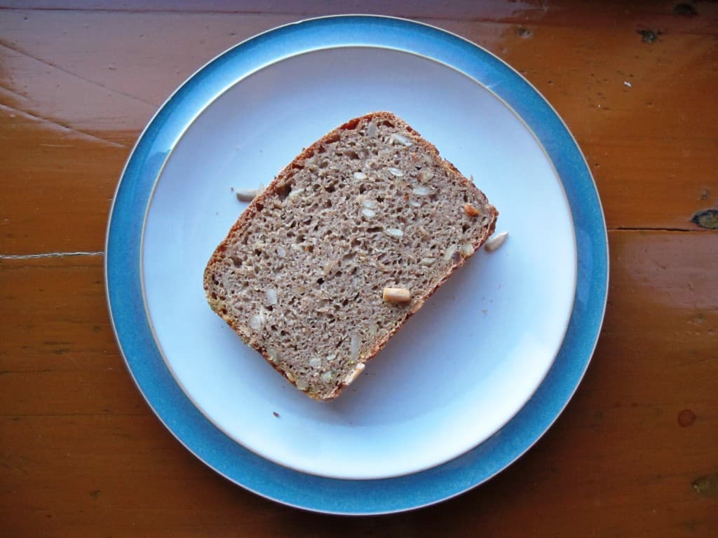 Rye bread with sunflower seeds on plate