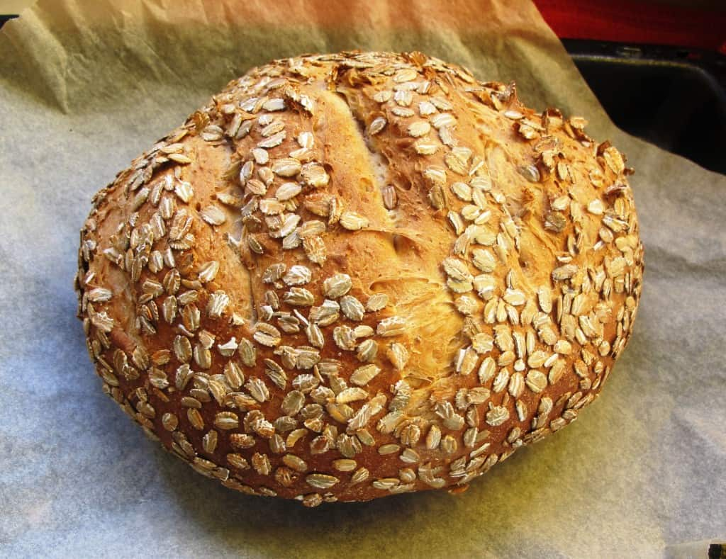 Picnic loaf with oats