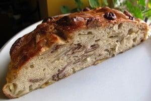 Apple & pecan bread