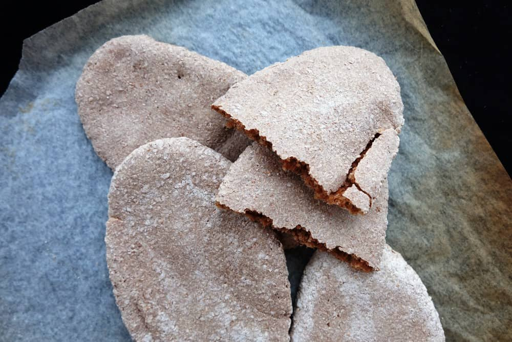 Wholemeal sourdough pita breads