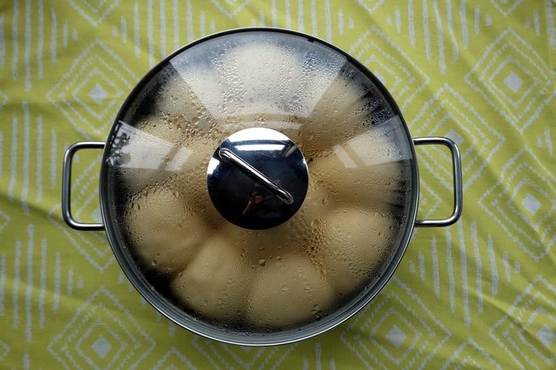 Dampfnudeln steamed buns