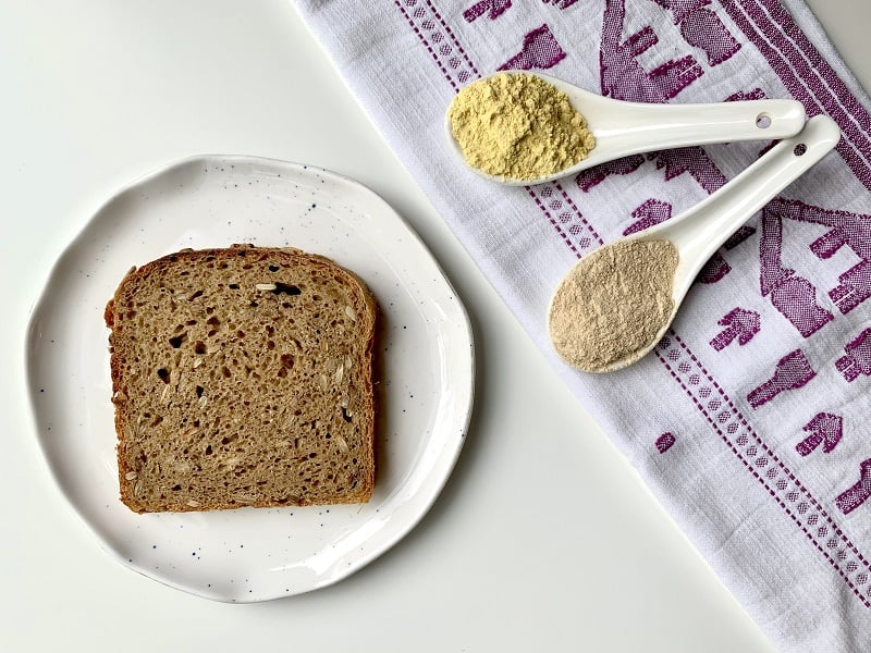Protein-rich bread, lupin flour, peasemeal